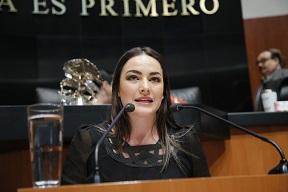 MARTHA MÁRQUEZ PONE A DISPOSICIÓN AMPAROS PARA PERSONAL DE SALUD