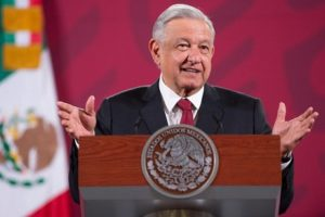 PRESIDENCIA DE LA REPÚBLICA / El Presidente responde a una pregunta de Excélsior con una respuesta de seis mil palabras