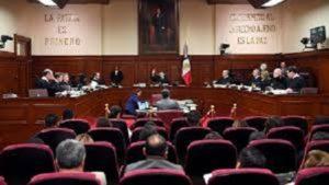 La Corte invalida / REQUISITOS DE LEGISLACIÓN DE JALISCO PARA EL REGISTRO DE UN MENOR DE EDAD CUANDO UNO DE SUS PADRES FALLECE ANTES DEL ACTO REGISTRAL POR SER DISCRIMINATORIOS