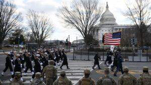 Partidarios en el Capitolio reaccionan a la toma de posesión de Biden