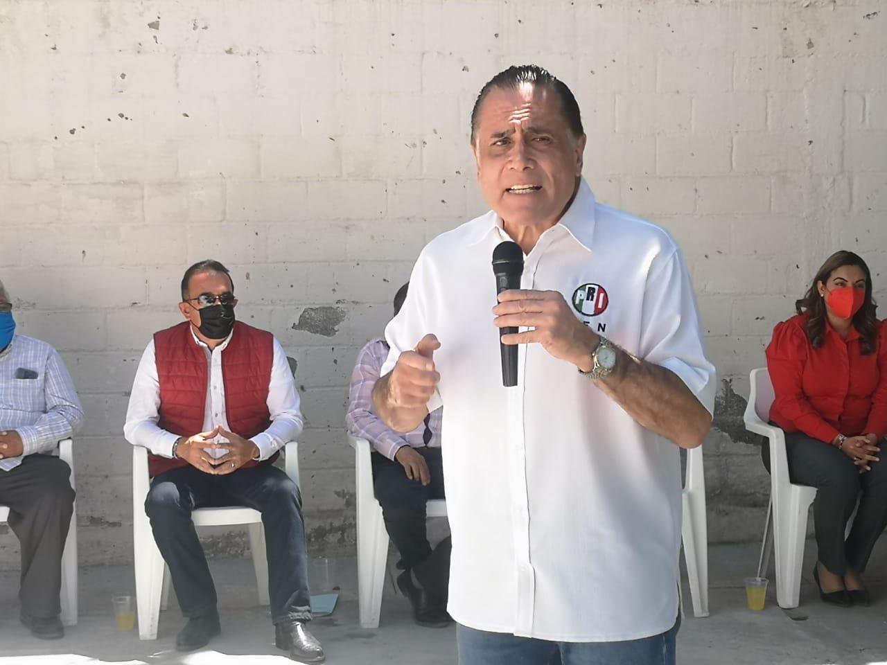 Carlos Luévanos y